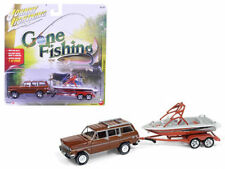 JOHNNY LIGHTNING 1/64 GONE FISHING 1981 JEEP WAGONEER W BOAT & TRAILER JLBT003-A
