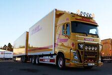 "Tekno 67771 Volvo Lastwagen + Anhänger "" Daniel Karlsson "" DHL Swedish Overall"