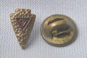 Vintage Metal Hammered Arrow Head Men's Tie Tack Lapel Pin Pendant Red/Gold
