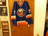 New York Islanders Supremely Talented #77 Pierre Turgeon Vtg Throwback Jersey