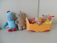 In the Night Garden Upsy Daisy & Moving Musical Bed with Iggle & Makka