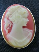 Vintage Cameo Brooch / Pin Pendant With Solid Perfume Glace - GL32