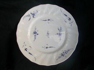 Villeroy & and  Boch VIEUX LUXEMBOURG Dinner Plate. Diameter 10 1/8 ins.25.5 cms
