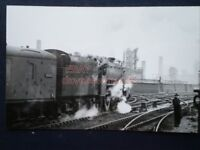 PHOTO  LMS STANIER BLACK FIVE 4-6-0 LOCO NO 45046 VIEW 2  WITH PARCEL TRAIN AT M