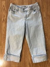 Women's Chico's Sz 2.0(12) Platinum Denim Light Rinse Crop/Capris. EUC!