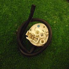 Machine à laver WHIRLPOOL AWO/D4305 contacteur de pression