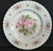 "Royal Albert Bone China Collector Plate ""Happy Birthday"" 1 St Edition"