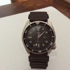 Mechanical (Automatic) Analogue 200 m (20 ATM) Wristwatches