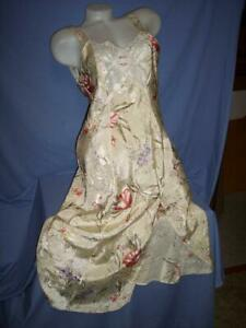 """""""CALIFORNIA DYNASTY EXPRESSIONS"""" SATIN FLORAL LONG NIGHTGOWN sz: M/L"""