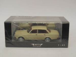 1/43 NEO 43108  Volvo 164 Cream / Red Interior