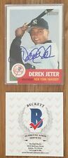 DEREK JETER BECKETT AUTHENTICATED W/LETTER SIGNED 2002 TOPPS HERITAGE CARD #114