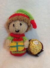 Knitting Pattern-Noël Elf avec Cadeau Chocolat Housse Ferrero Rocher