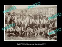 OLD LARGE HISTORIC PHOTO OF BULLI NSW, GROUP PHOTO OF FISHERMEN AT JETTY c1910