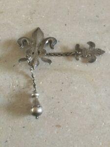 Henry.S.Ellis  Silver Cloak Pin