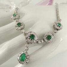 Natürliche Echtschmuck-Halsketten & -Anhänger aus Weißgold mit Smaragd