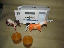 1/18 Scale Horse Trailer Plastic Model - Farm Livestock Transporter Hauler Wagon