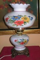 LOVELY VINTAGE UNDERWRITERS' LABS MILK GLASS FLORAL MOTIF HURRICANE PARLOR LAMP
