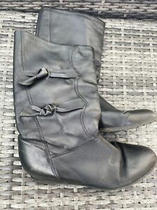 Black Leather 80s Style Pull On Calf High Boots Size 40 UK 6.5