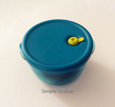 Tupperware Vent N Serve Magnet Blue  NEW