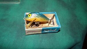 VINTAGE REBEL HUMPBACK BOX PAPER LURE OLD FISHING LURES CRANKBAIT BASS BAIT PLUG