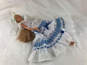 BARBIE - BLONDE HAIR - BEAUTIFUL BLUE & WHITE DRESS - NO SHOES