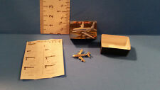Barbie 1:6 or Dollhouse Miniature Model Airplane & Box for Tommy Toy Room aa