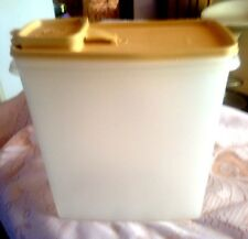 VINTAGE TUPPERWARE CEREAL CONTAINER 1588-2 GOLD LID