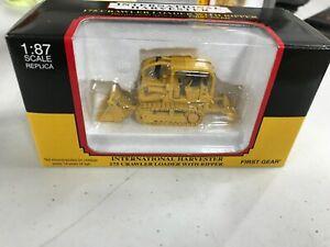 First Gear U.S. Forest Service International 175 Crawler With Ripper 1/87 Rare