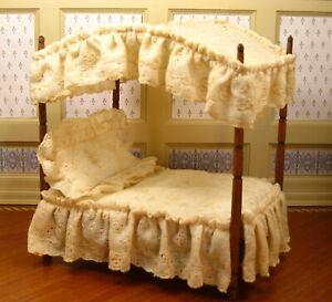 Nellie Belt & Frank Belt Canopy Bed with Bedding - Artisan Dollhouse Miniature