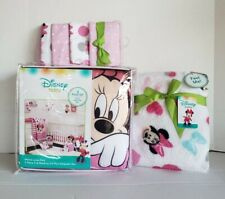 Minnie Mouse: Minnie Mouse Loves Dots 9 Pc.Crib Bedding Set by Disney Baby