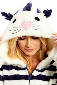 Chic-a-mo Winter Woodland Snuggle / Zipped Hooded Short Dressing Gown/ Robe