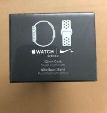 Reloj de Apple Estuche Nike + 42 mm Plata Aluminio Nike Sport banda Platino Puro/Blanco