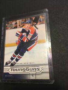 2004/05 UD Wayne Gretzky Young Guns Retro Card # 183