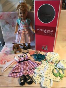 American Girl Doll - Genuine Maryellen Doll With Original Box And Outfits (2G)