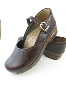 Women's DANSKO Marah Brown Oiled Leather Mary Jane Clogs  Size 9 8.5