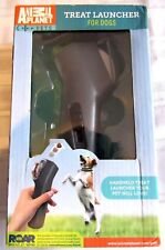 ANIMAL PLANET HANDHELD TREAT LAUNCHER FOR DOGS NEW IN BOX