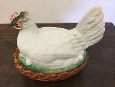 Poule en biscuit, boîte à œufs