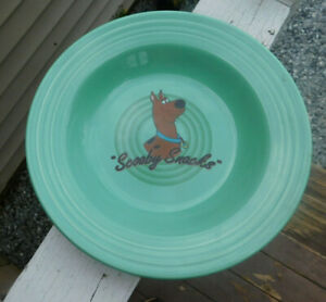 "Looney Tunes SCOOBY DOO SNACKS  9"" rim Soup Bowl Warner Bros Fiesta GREEN"