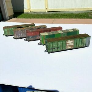 LOT of FIVE Custom Weathered Box Cars Walthers Athearn Atlas Assorted Roads USED