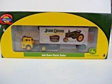 HO Athearn John Deere Tractor Classic Ford C & 28' Wedge Trailer Truck 8111 NEW