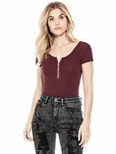 GUESS T-Shirt Women's Slim Fit Stretch Scoop Neck Zip Up Tee Top S Burgundy NWT