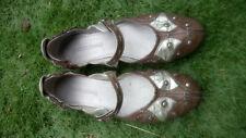 Sandales cuir PATAUGAS pointure 39 en très bon état.