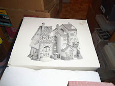 Dept 56 Dickens' Village #5552-2 Oliver Twist Fagin's Hide-A-Way No Light Cord