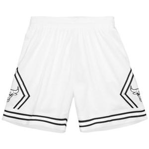 Mitchell & Ness White NBA Chicago Bulls White Black 1997 Swingman Shorts