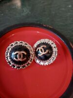 Chanel lot of two black and Gold  button 24 mm