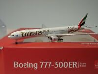 "Herpa Wings Boeing 777-300ER Emirates ""Hamburger SV"" - A6-EPS - 530880 - 1:500"