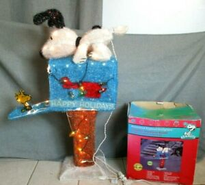 Snoopy Christmas Animated Lighted Motion Christmas Outdoor Decor Woodstock VIDEO