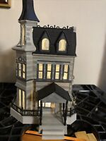 ADDAMS FAMILY HOUSE HAUNTED HOUSE~BUILT BUILDING~MODEL KIT~ LIGHTS UP!!!