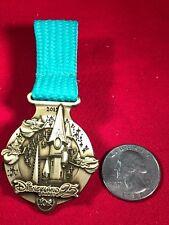 1 Disney Pin 3D Limited Edition Dangle Disneyland Paris 10k Medal   lot gt