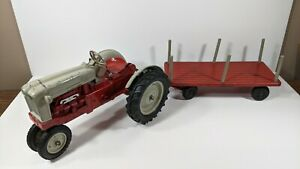 Vintage Hubley Ford Tractor With Trailer 1:12 Scale